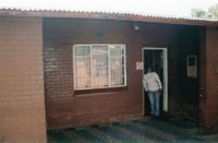 Mandela_house_outside.jpg